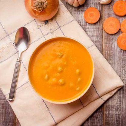 Sopa de cenoura com grão de bico