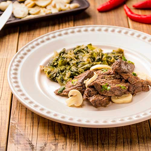 44 - Picadinho de carne + brócolis grelhado