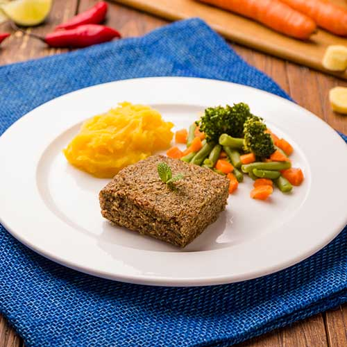 07 – Kibe assado + purê de mandioquinha + mix de legumes