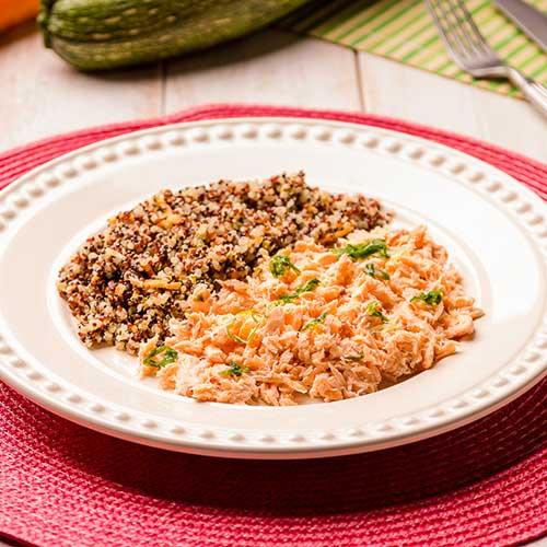 37 – Salmão Desfiado + Mix de Quinoa