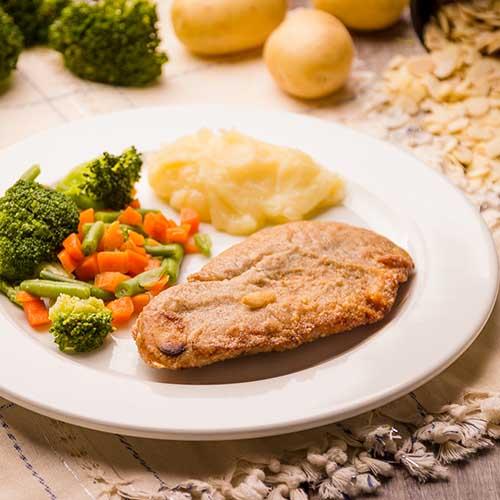 27 - Purê de Batata + St. Peter Empanado com Amêndoas + Mix de legumes