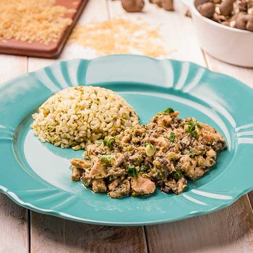 39 – Frango com shimeji + arroz integral com brócolis