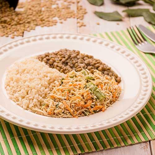 09 – Frango desfiado + arroz integral + lentilha
