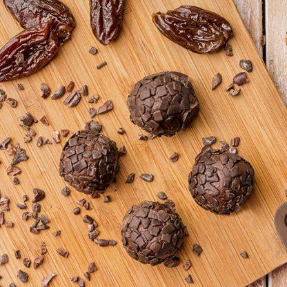 Brigadeiro de tâmara com chocolate belga (01 und)