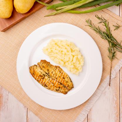 9 – St peter com Ervas + Purê de batata