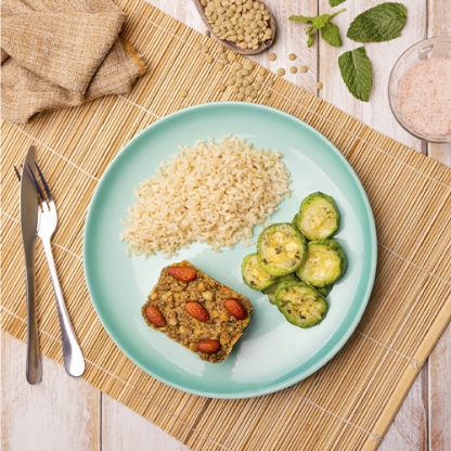 14 – Kibe de lentilha e ricota vegan + arroz integral + abobrinha italiana