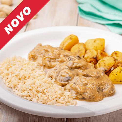 5 – Strogonoff de cogumelos + Arroz integral + Batata sauteé