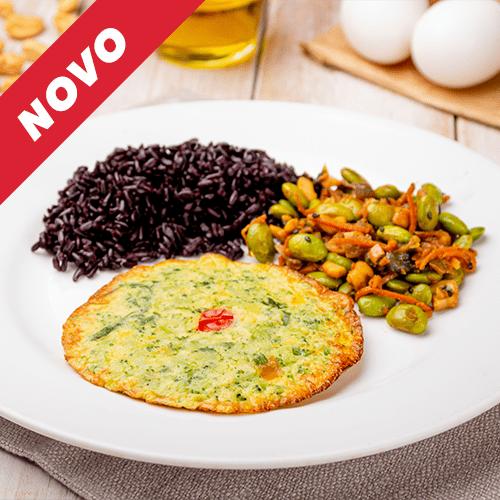 1 – Omelete +arroz negro + mix edamame e shimeji