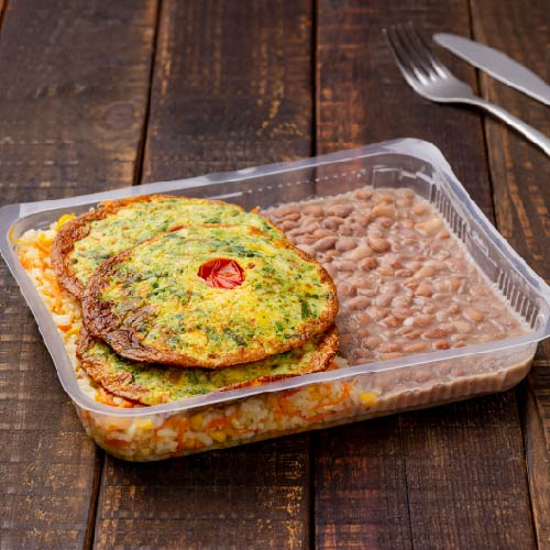 Nosso PF- Prato 8- Omelete + Arroz com cenoura e milho + Feijão carioca